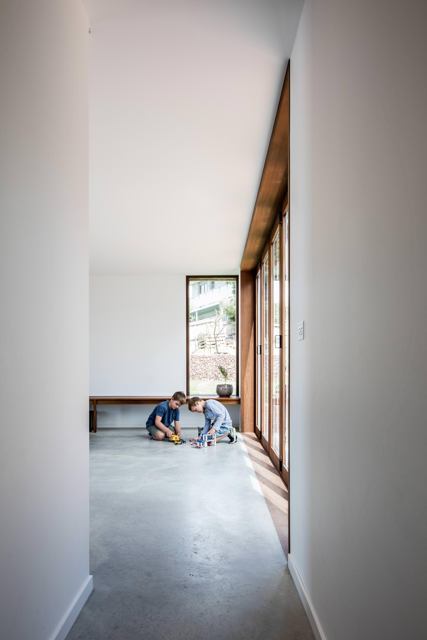 LONGVIEW HOUSE 6