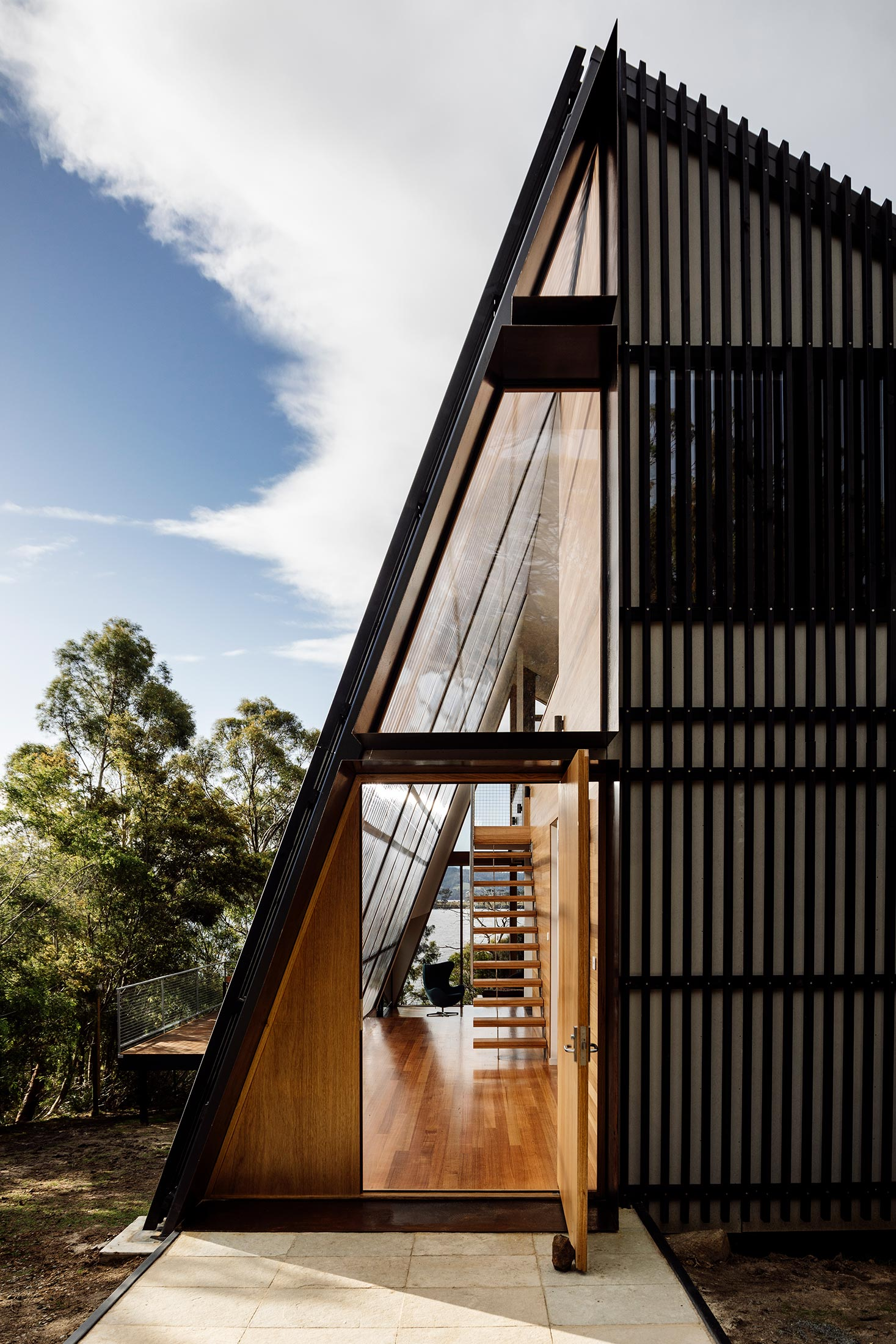 BRUNY ISLAND HOUSE