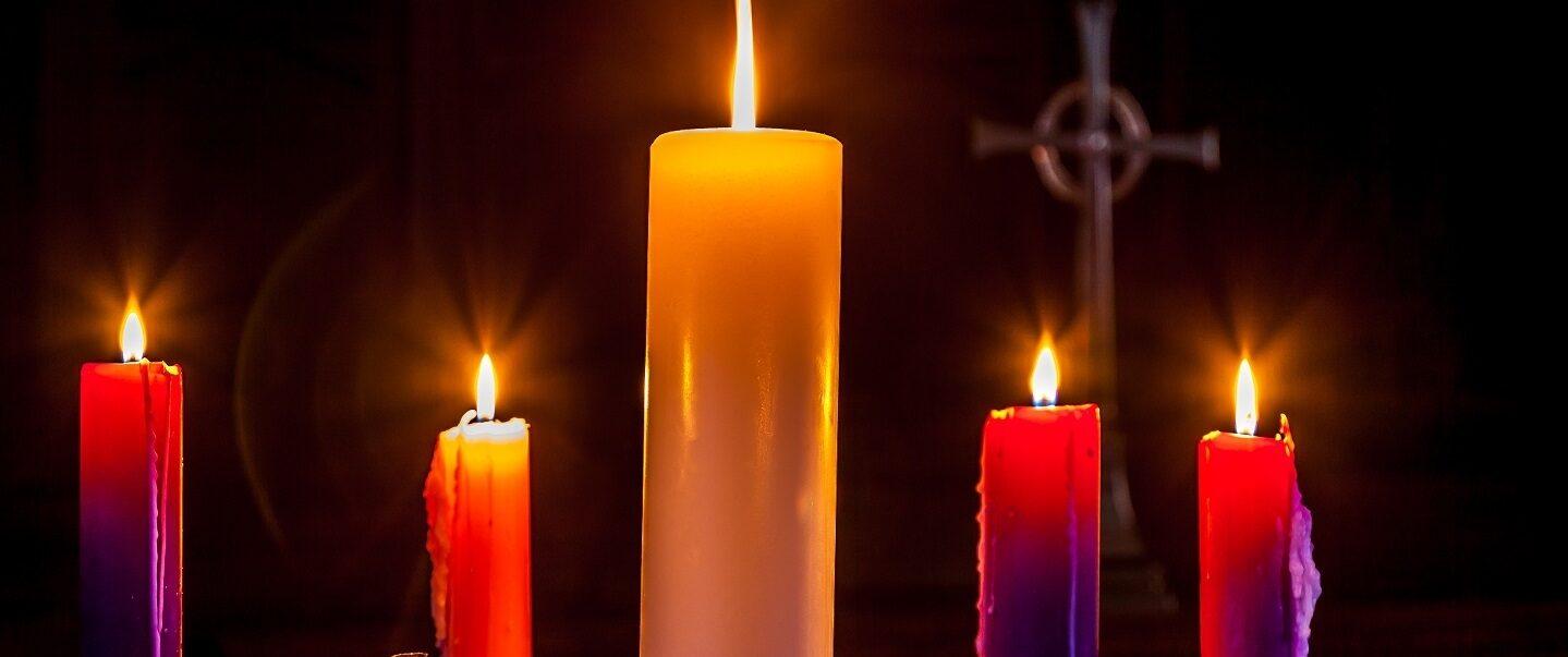 Advent candles hero
