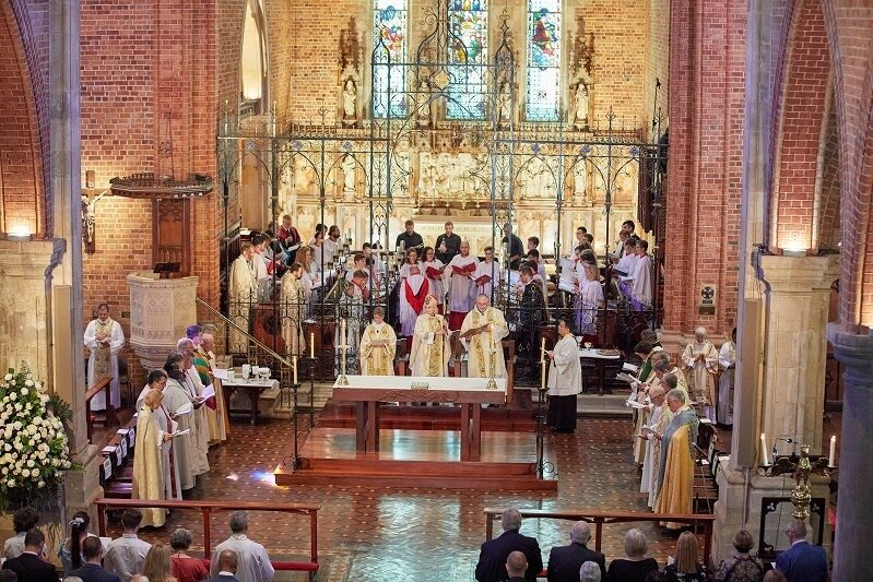 Cathedral service image