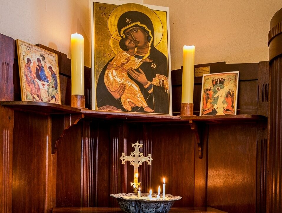 St patrick mt lawley row 1 candles alter