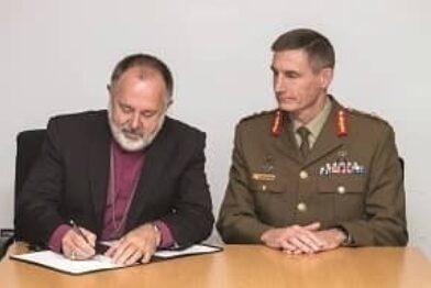 Defence Force PHOTO Bp Lambert and CA signing RACS Mo A early 2019 thumbnail