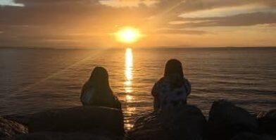 Esperance anglican community school students watching sunset thumbnail