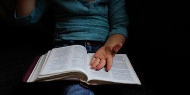 Book Review: A Holy Island Prayer book