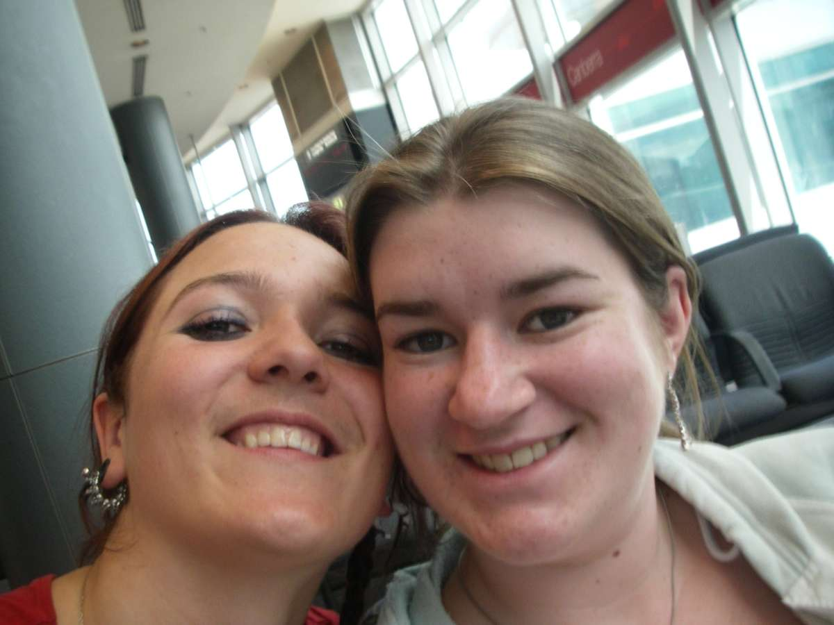 Alice and me in the airport