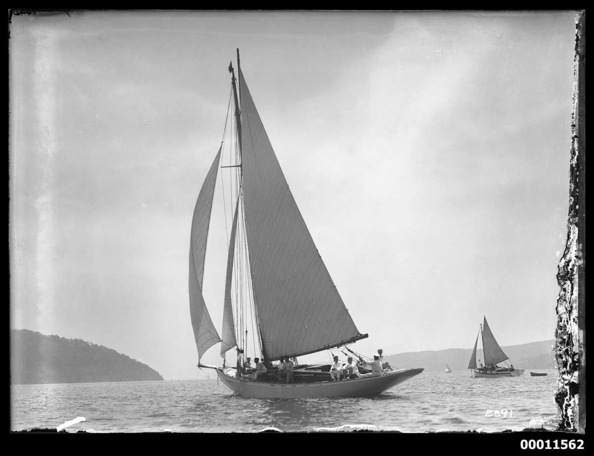 Sloops under sail, possibly at the Pittwater Regatta. ANMM Collection 00011562