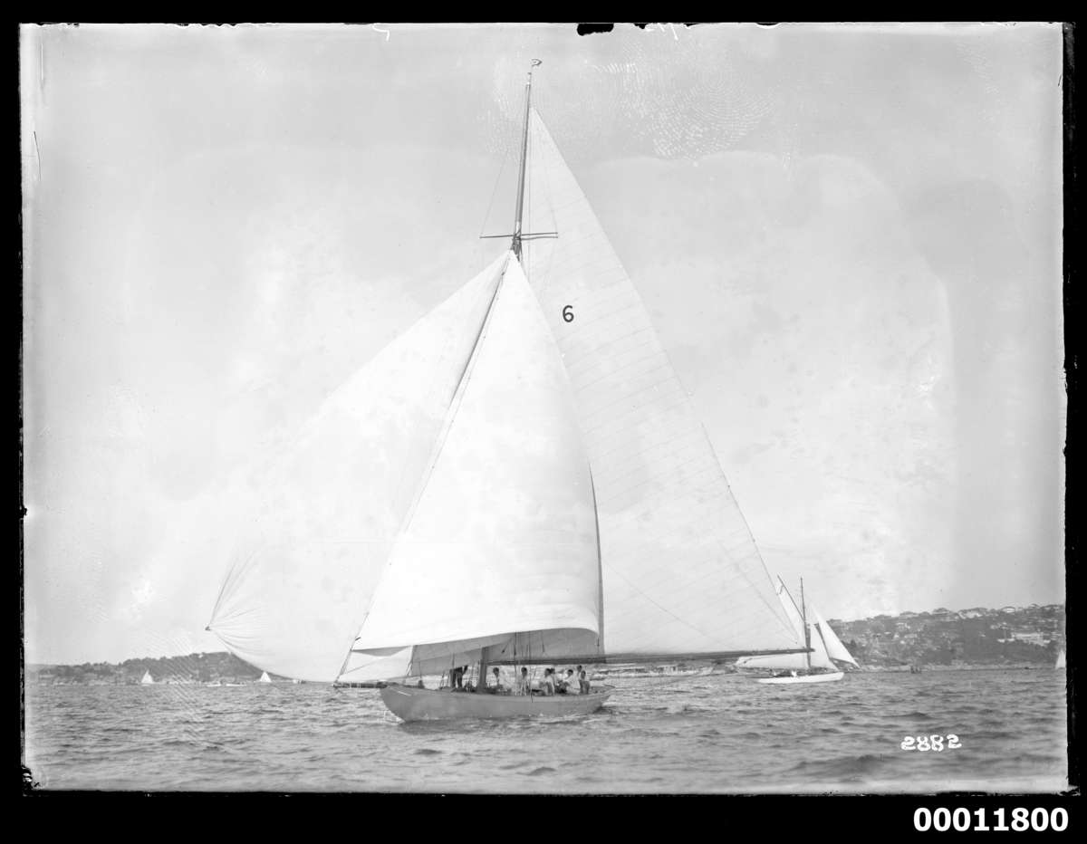 Bermudian rig can be seen in this photograph of Rawhiti on Sydney Harbour, c 1927 Photographer: William J Hall ANMM Collection