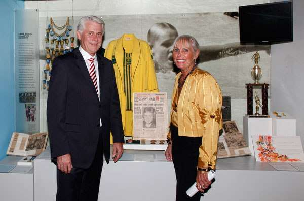 Coca Cola and lanolin: Channel swimming champion visits museum