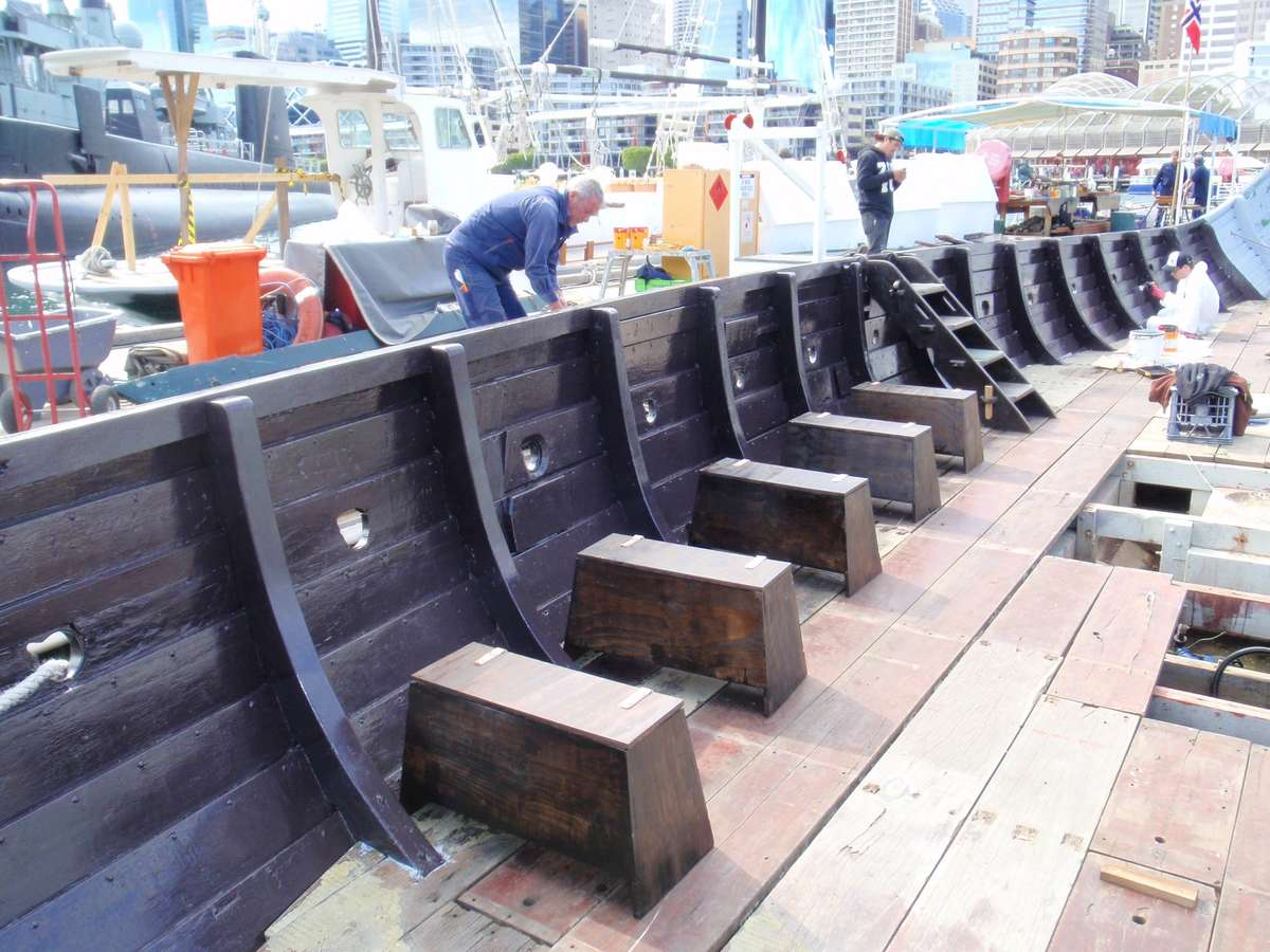 Tiralling the sea chests on the Jorgen Jorgenson