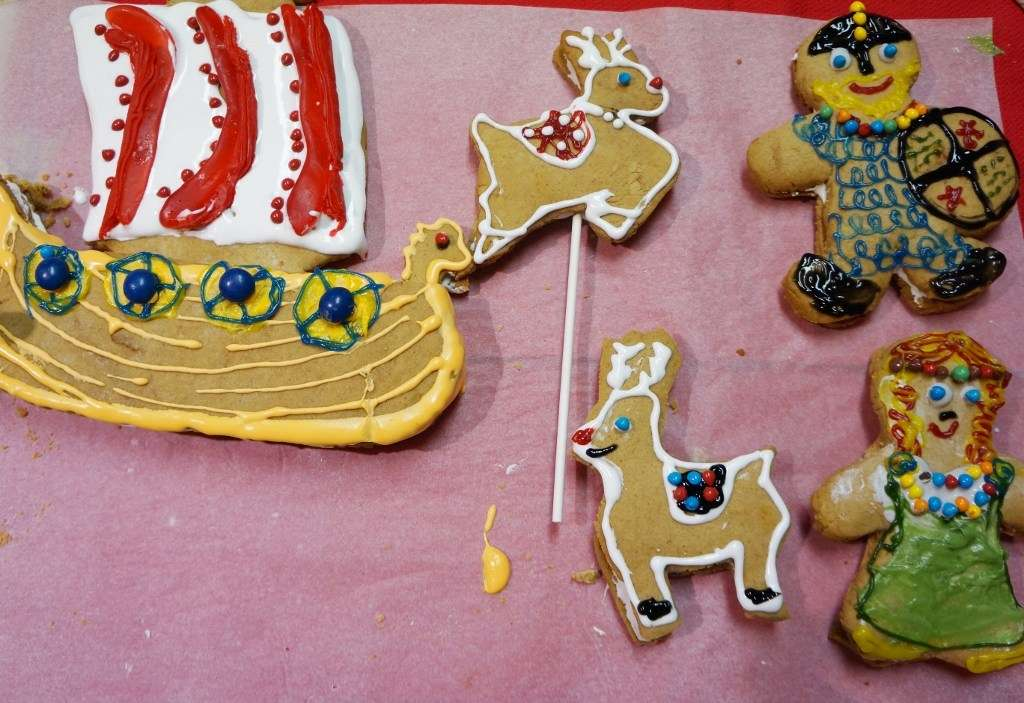 gingerbread decorating finished