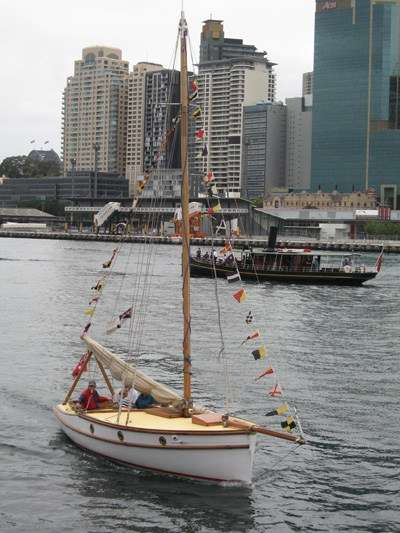 Ranger in the foreground, Lady Hopetoun behind - in the 2007 ARHV launching parade. A Frolows ANMM.