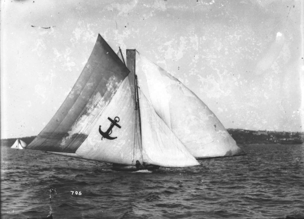 Yendys with all sails set