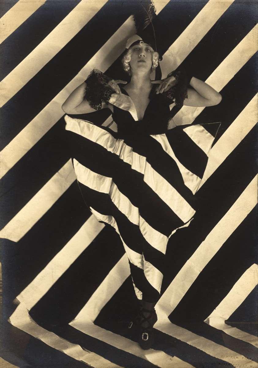 Yvonne Gregory, by Bertram Park, 1919