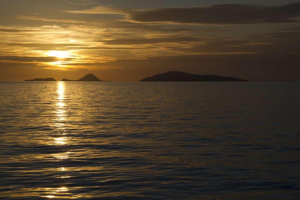 Voyage out past Mer (Murray) Island. Photo: Xanthe Rivett, Silentworld Foundation.