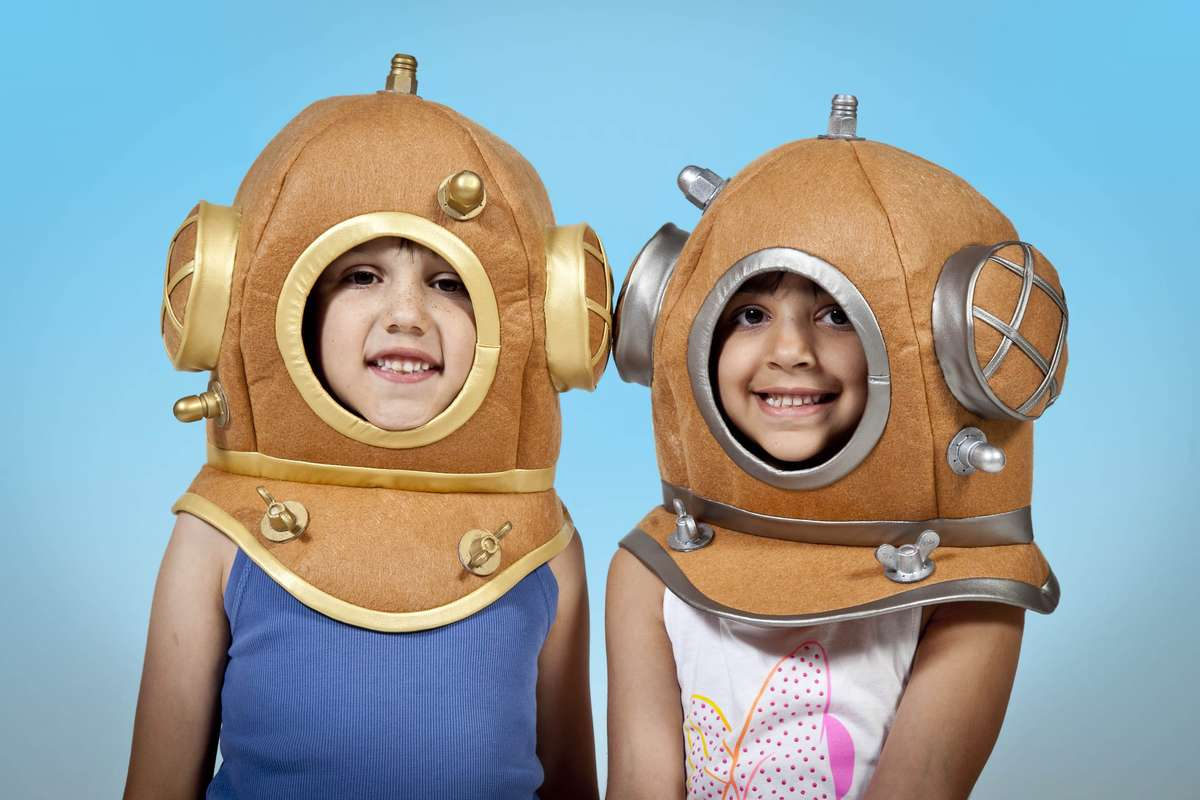 Voyage-to-the-Deep-kids-divers-1