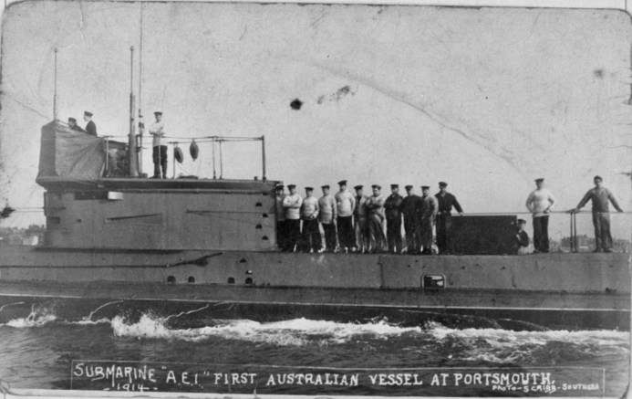 Photograph of AE1 with crew on deck at Portsmouth