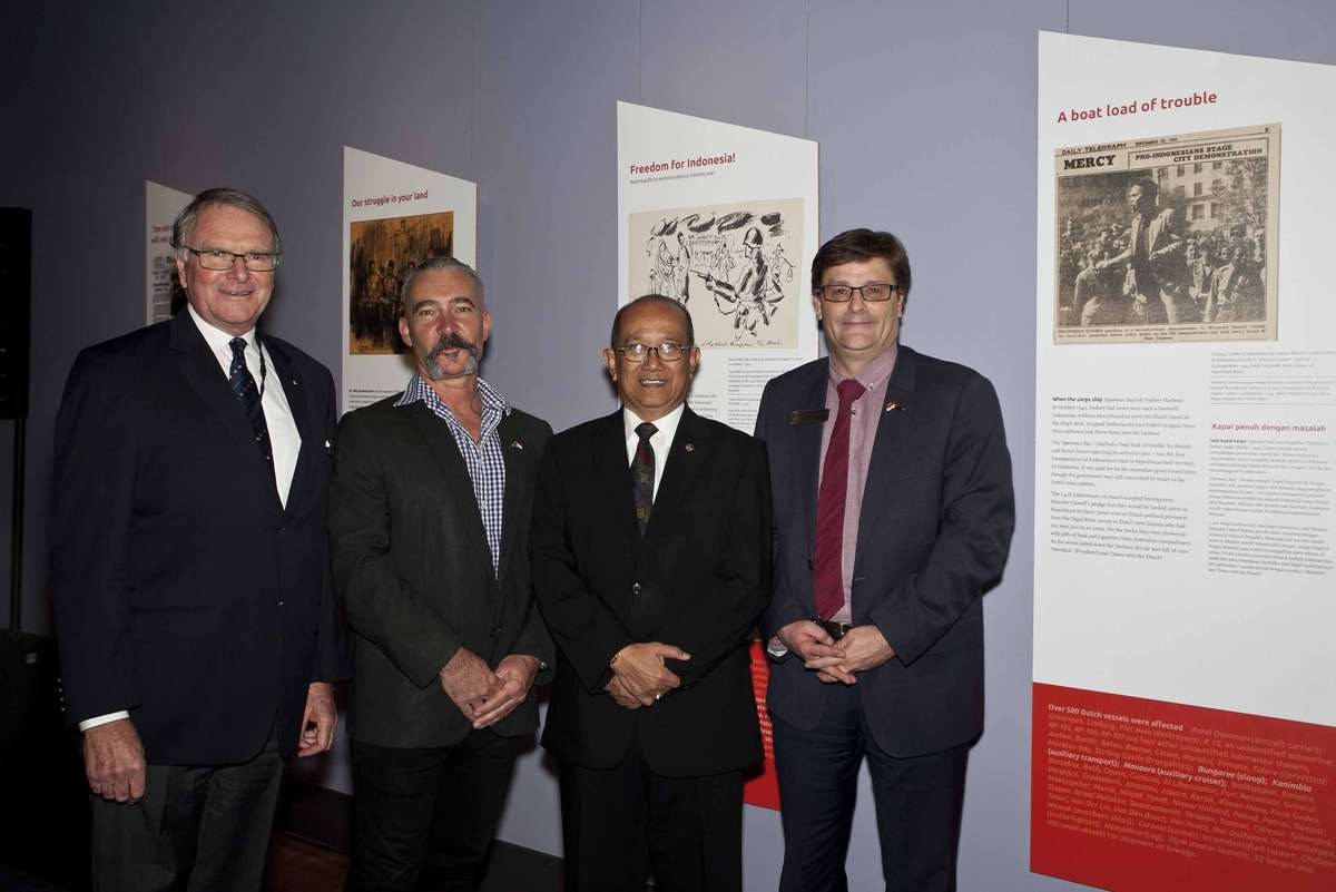 Mr Peter Dexter AM, Chairman of the Australian National Maritime Museum Council, Curator Dr Stephen Gapps, Indonesian Ambassador His Excellency Mr Nadjib Riphat Kesoema and Museum Director and CEO Kevin Sumption at the opening of Black Armada