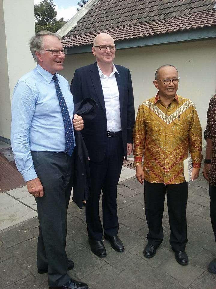 ANMM Chairman Peter Dexter, Australian Ambassador Paul Grigson, Indonesian Ambassador to Australia Nadjib Kesoema