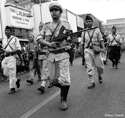 Indonesian historical reenactors. Image courtesy Djokjakarta 1945