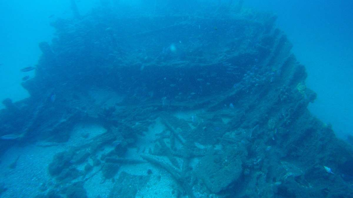 The partially collapsed counter stern of the Lady Darling looking towards the north. Image: ANMM.