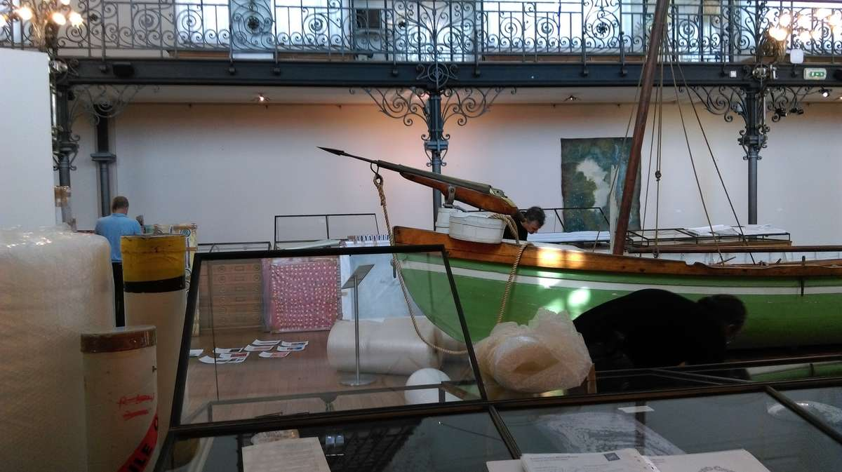 At the centre of the exhibition space is a large whaling boat fit with harpoon gun. Image: Rhondda Orchard / ANMM.