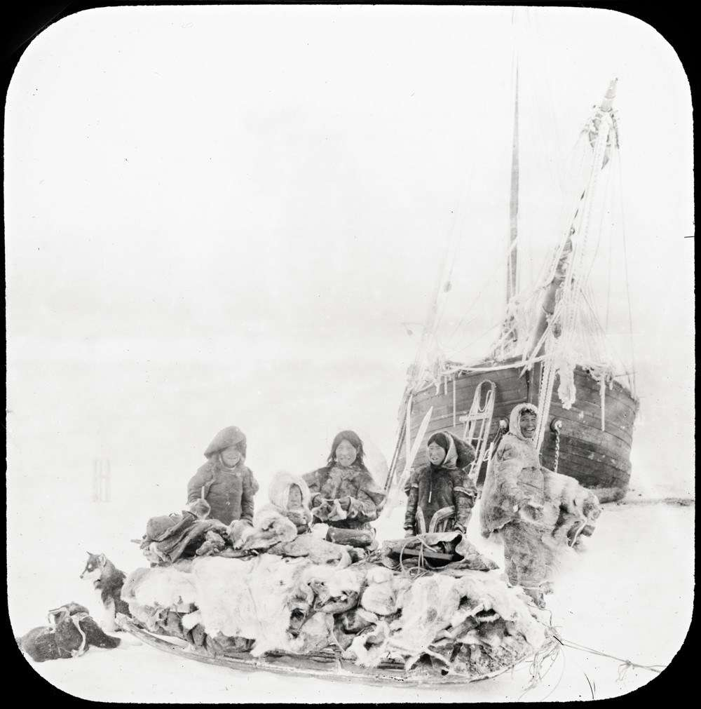 Inuit trading Gjøahaven, Nunavut, 1904 or 1905. Image: Photographer Godfred Hansen courtesy, Fram Museum.