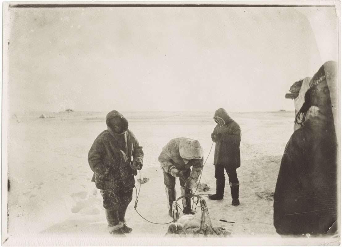 Gjoa seal hunting with the Inuit. Image: Photographer unidentified, courtesy Fram Museum.