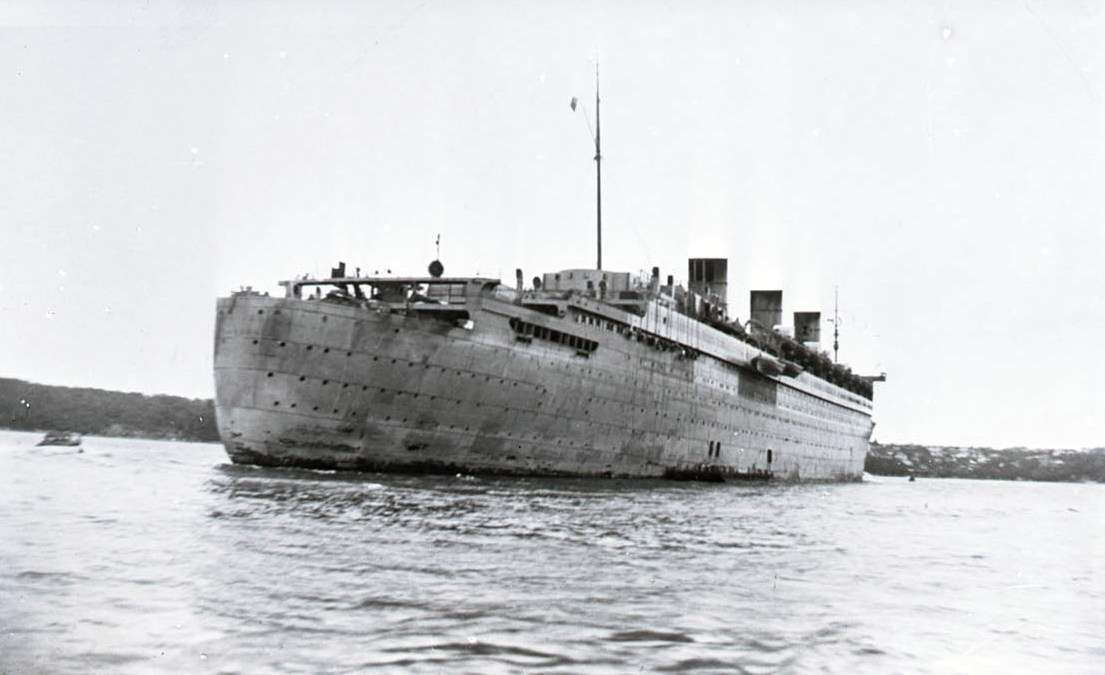RMS QUEEN MARY in Sydney Harbour, 1941. ANMM Collection 00045046.
