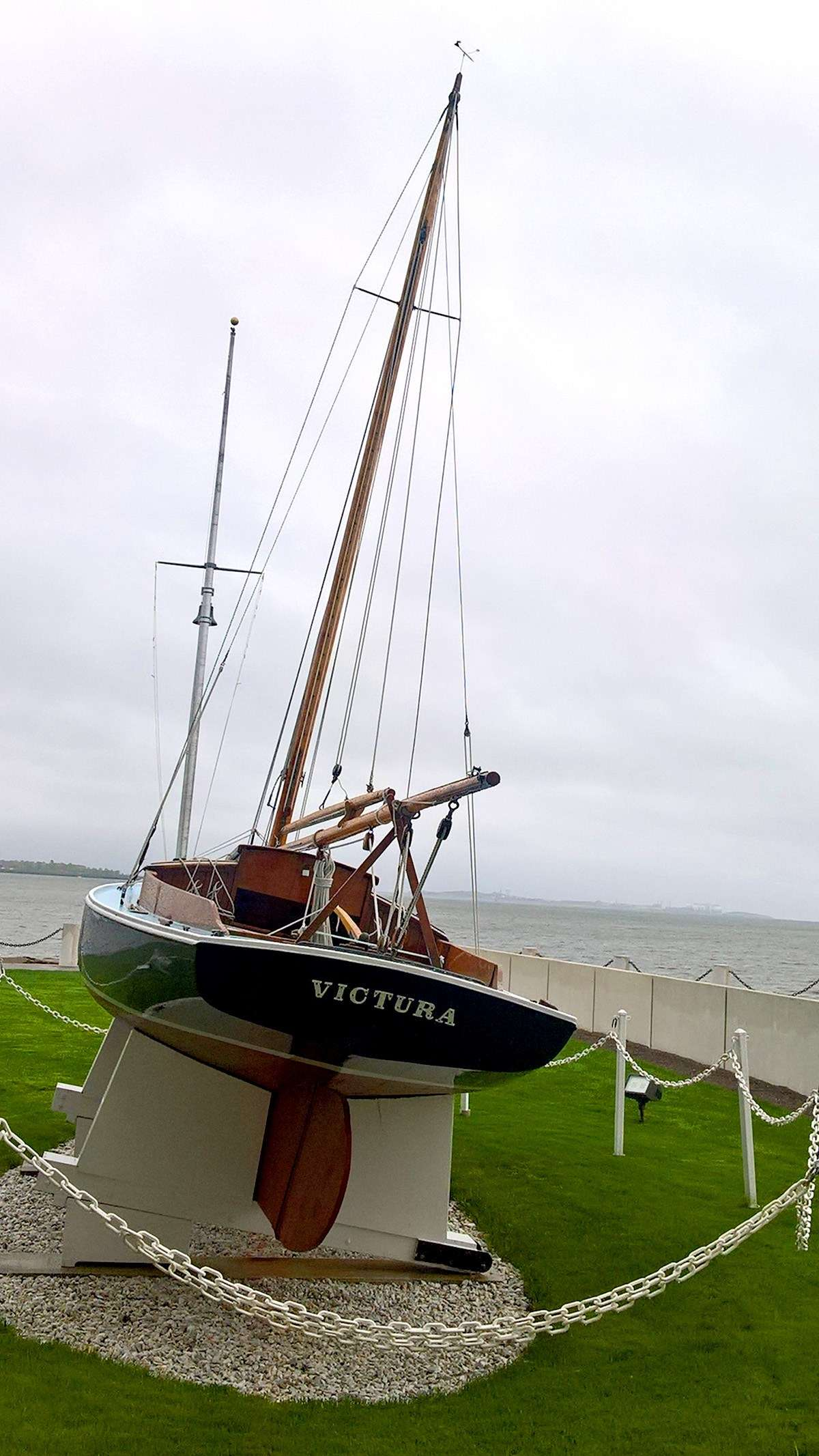 JFK's childhood sailboat Victura.Image: Richard Wood / ANMM.