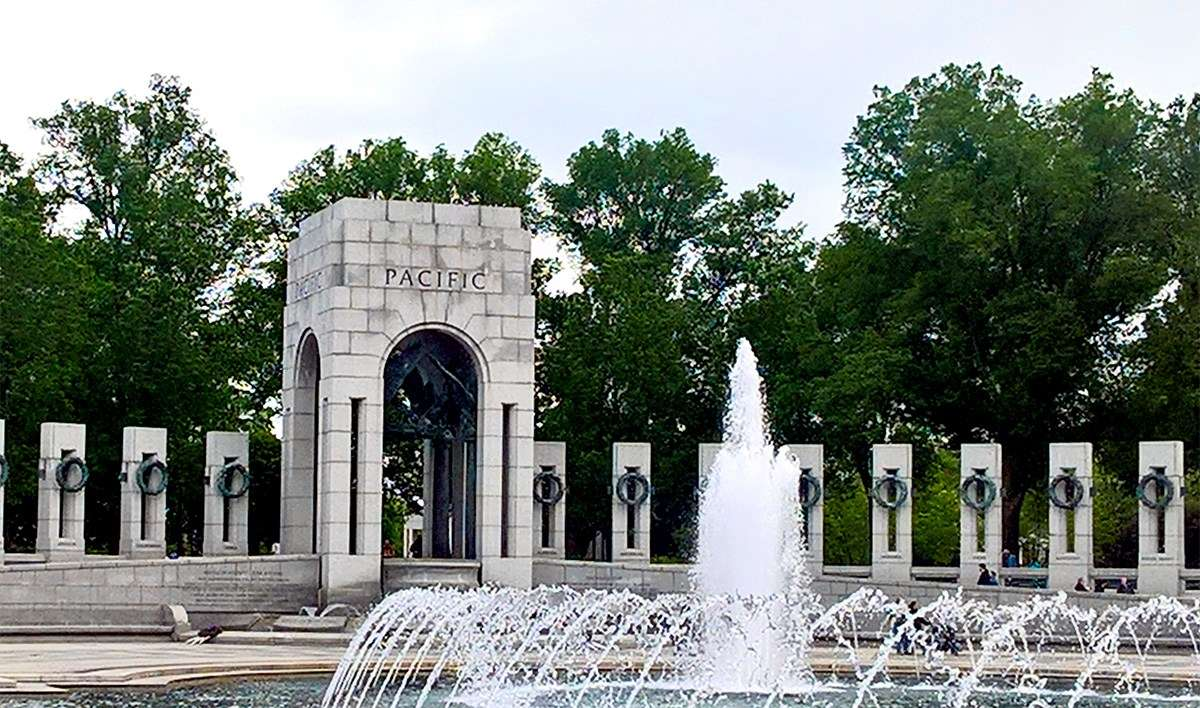 National War Memorials are spaced around the reflecting pool in Constitution Gardens. Image: Richard Wood / ANMM.
