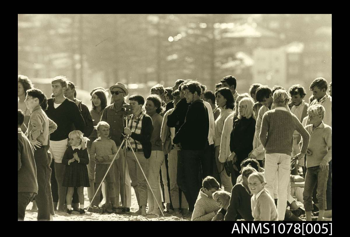 Jack Eden, The crowd at the first world open surfboard championships Manly, 1964. ANMM Collection 1078[005].