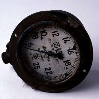Revolutions counter gauge believed to be from destroyed Japanese midget submarine. ANMM Collection 00019505.