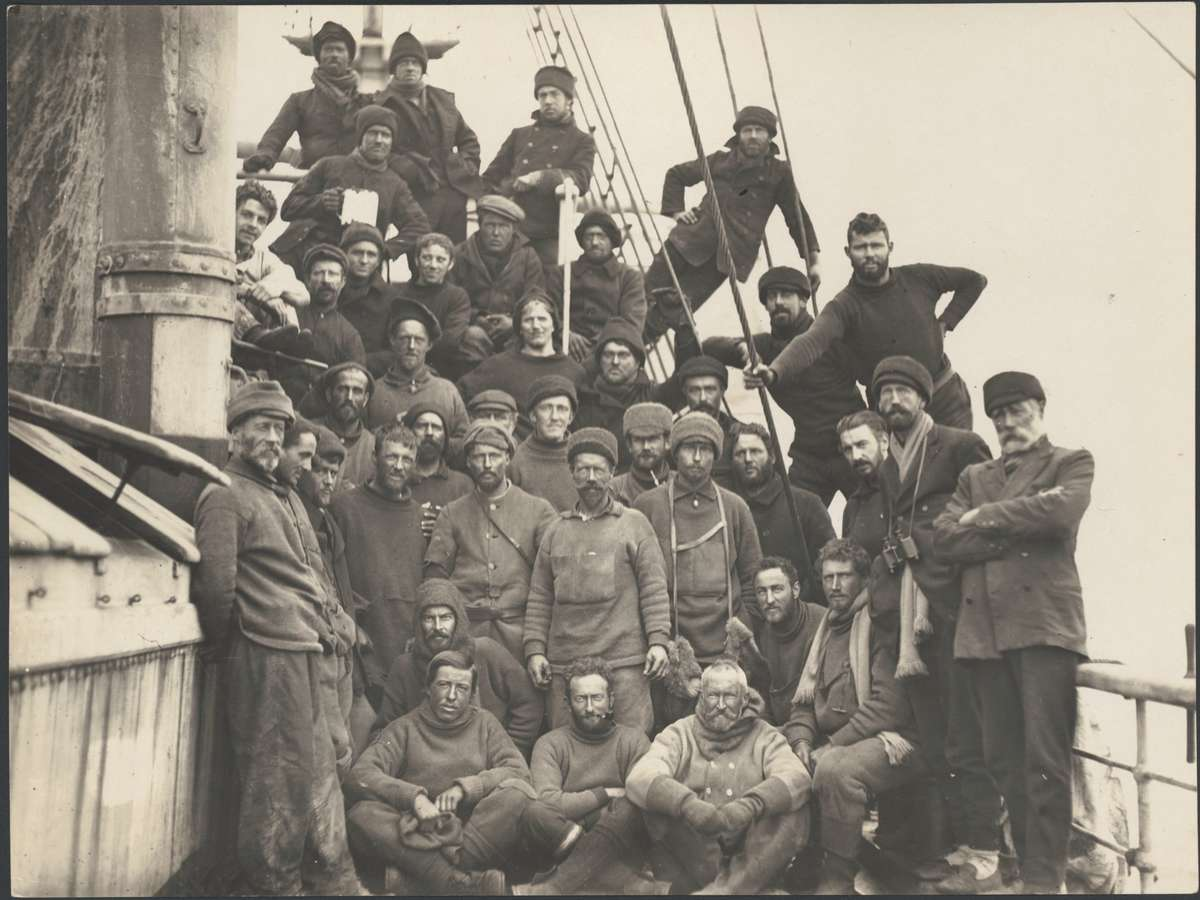 Group on SY Aurora after leaving the western base, 1913, photographer Frank Hurley, courtesy National Library of Australia