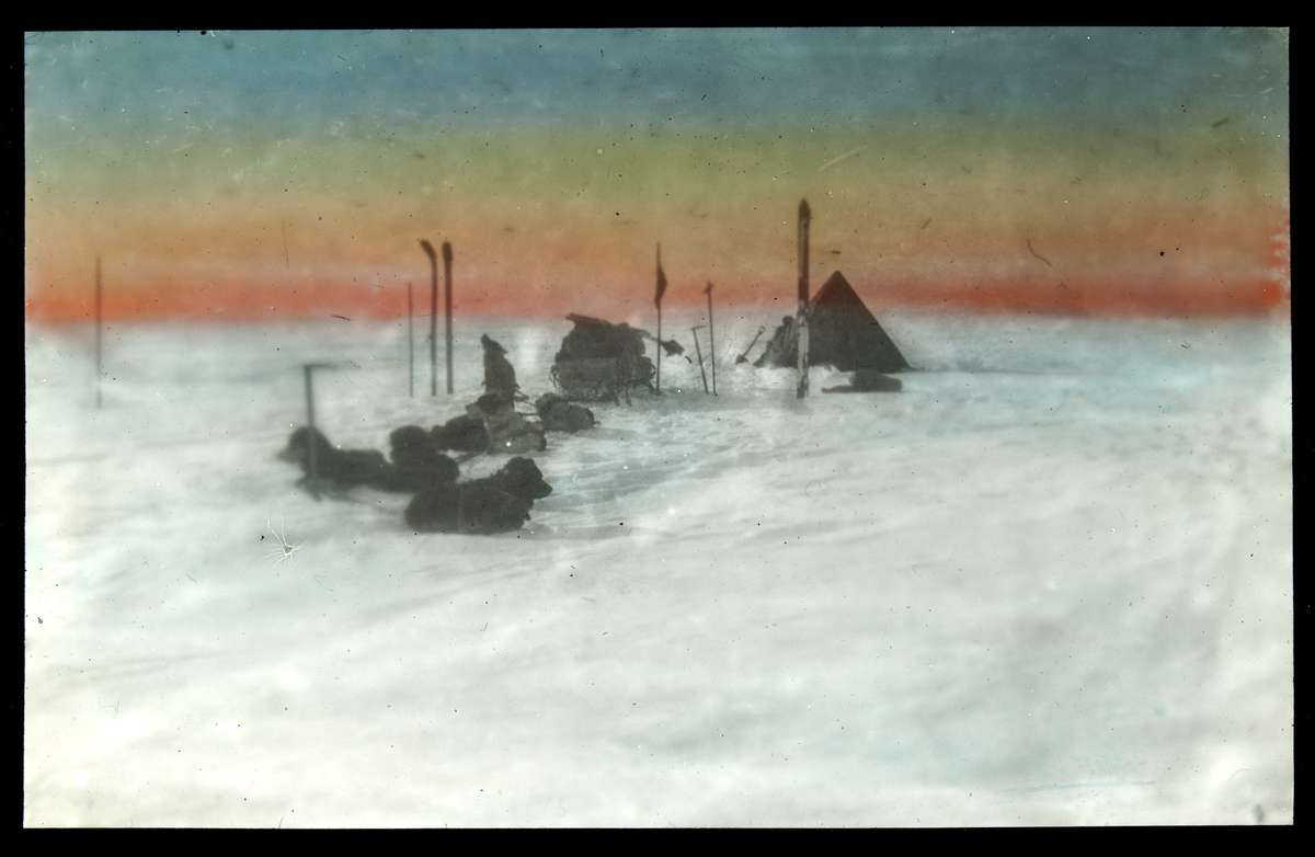 Camp on the Great Ross Ice Barrier, early 1915, photographer Andrew Keith Jack, courtesy State Library of Victoria