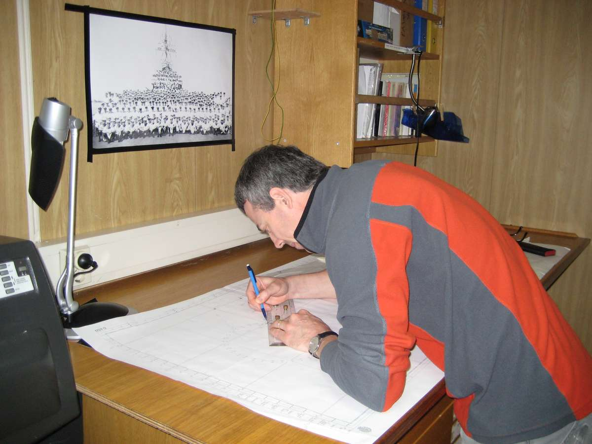 David Mearns mapping out a search for a shipwreck. Image: David Mearns.