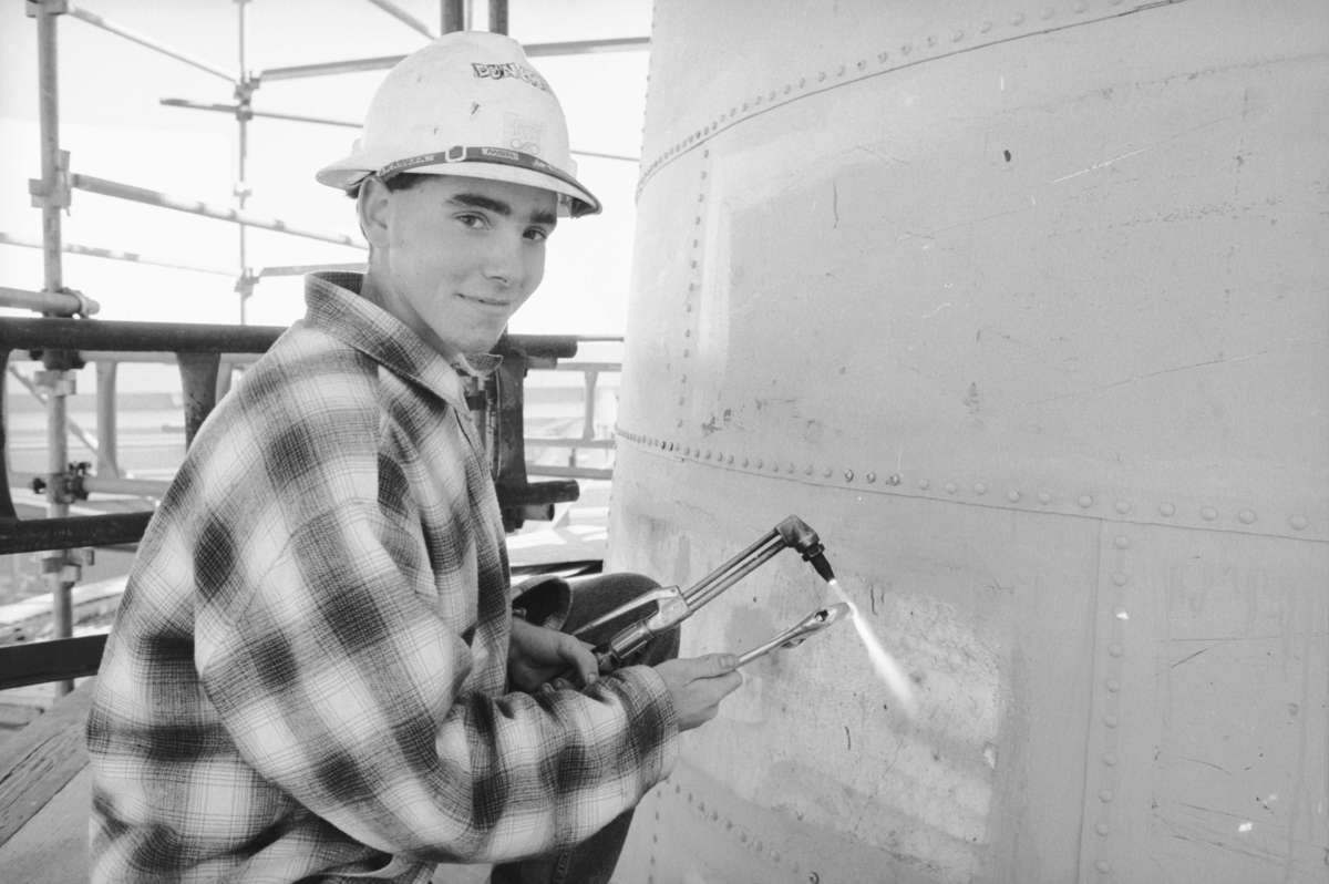 Landcare and Environment Action Program (LEAP) participant working on the Cape Bowling Green Lighthouse reconstruction, 13 May 1994. Image: ANMM.