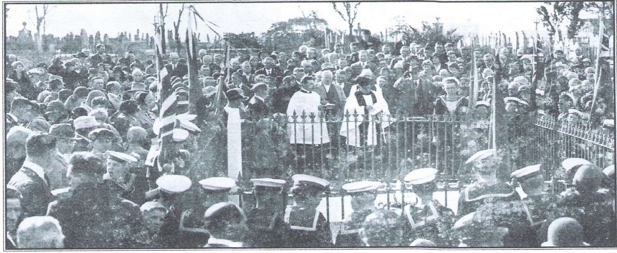 The Dunbar Commemoration Service in 1931. Image: Camperdown Cemetery Trust.