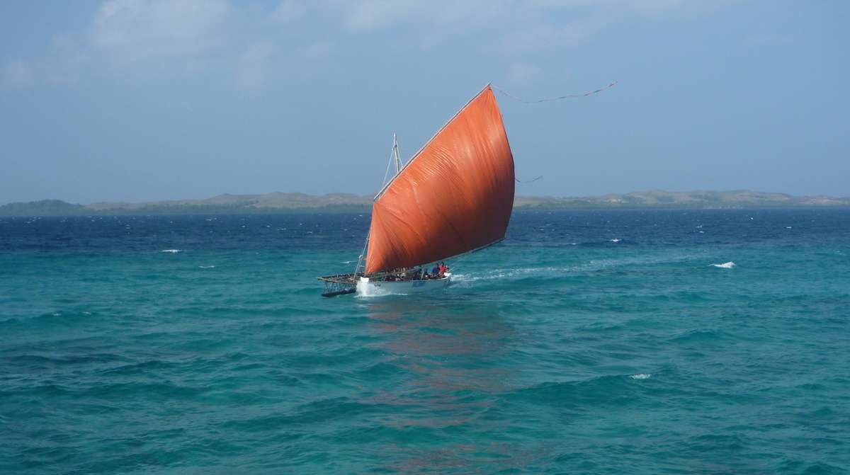 A sailau coming to a village. Image: David Payne / ANMM.