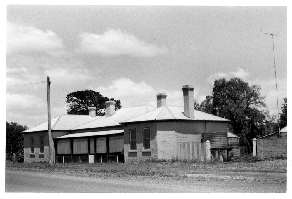 The former Caledonian Union Hotel, Casterton, Victoria, 1981. Reproduced courtesy J.T. Collins Collection, La Trobe Picture Collection, State Library of Victoria H98.251/286