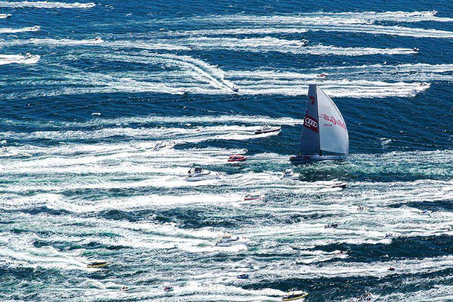 Heading up the Derwent River, towards Line Honours. Image: Andrea Francolini/Wild Oats XI.