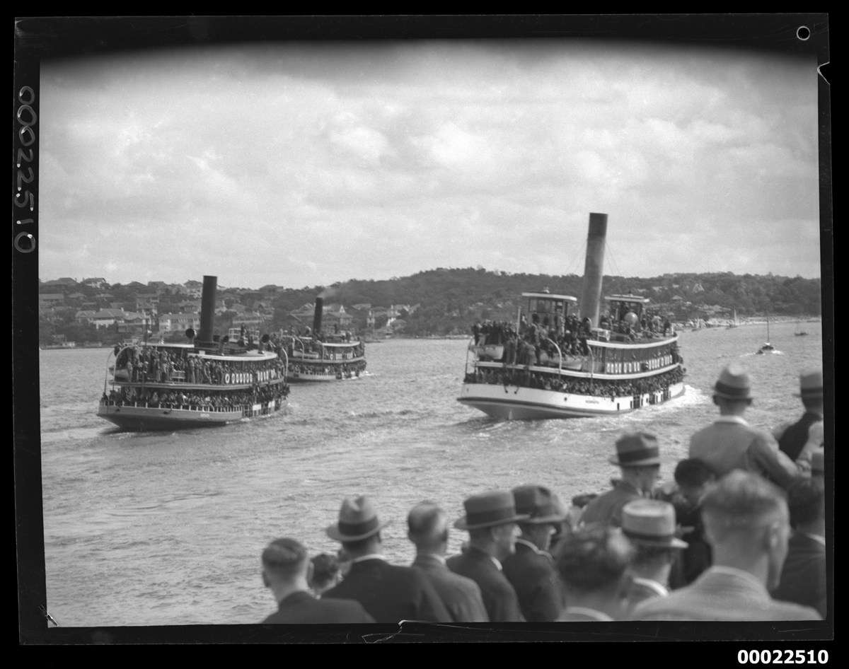 Ferries on Sydney Harbour (SS KAIKAI, SS KULGOA and SS KOOMPARTOO), c 1938. ANMM Collection 00036858, Samuel J Hood Studio.
