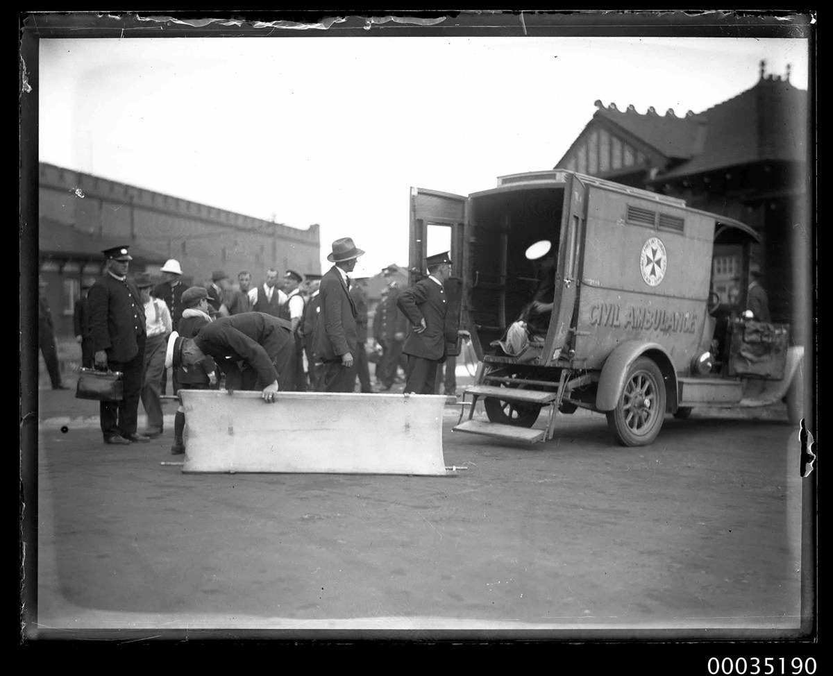 Ambulance at Fort Macquarie after the disaster. ANMM Collection 00035190, Samuel J Hood Studio.