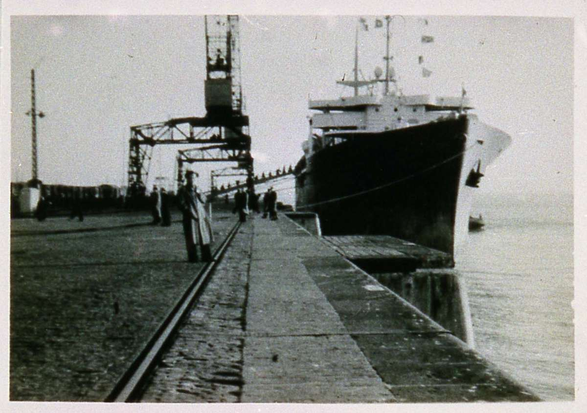 Boarding General Stuart Heintzelman in Bremerhaven, 1947. ANMM Collection 00001519.