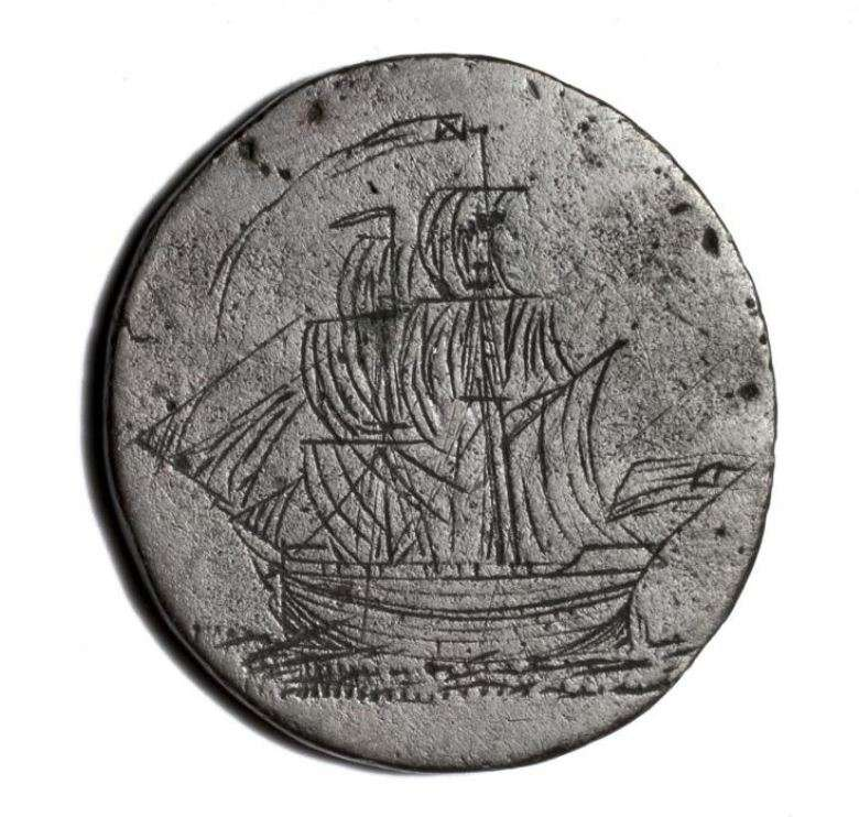 "ove tokens were made by convicts during the entire period that the British government supported transportation to Australia (1788-1868). Often they were given as gifts to family members and loved ones to ease the pain of separation. ANMM Collection <a href=""http://collections.anmm.gov.au/en/objects/details/135727/convict-love-token?ctx=3c737858-17ac-4aef-8a1f-0b616905f4cb&idx=25"">00040473</a>."
