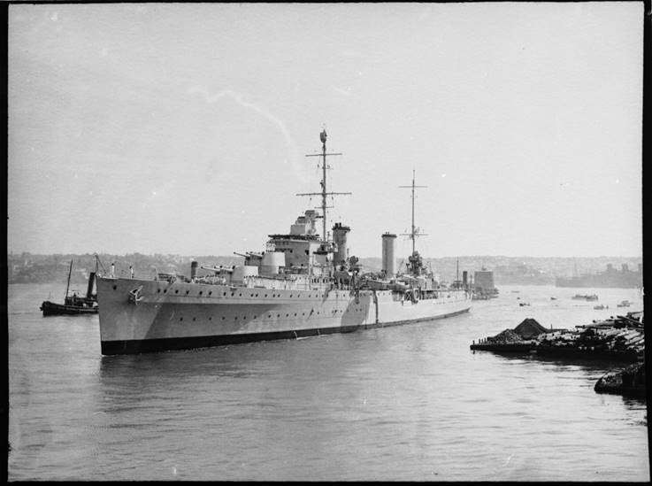HMAS <em>Perth</em> (I) arrives in sydney Harbour, April 1940. Samuel Hood/ANMM Collection <a href='http://collections.anmm.gov.au/en/objects/details/26487/arrival-of-hmas-perth?ctx=68bb3727-924d-4056-bd12-949f7f47ca5f&idx=0'>00022409</a>.
