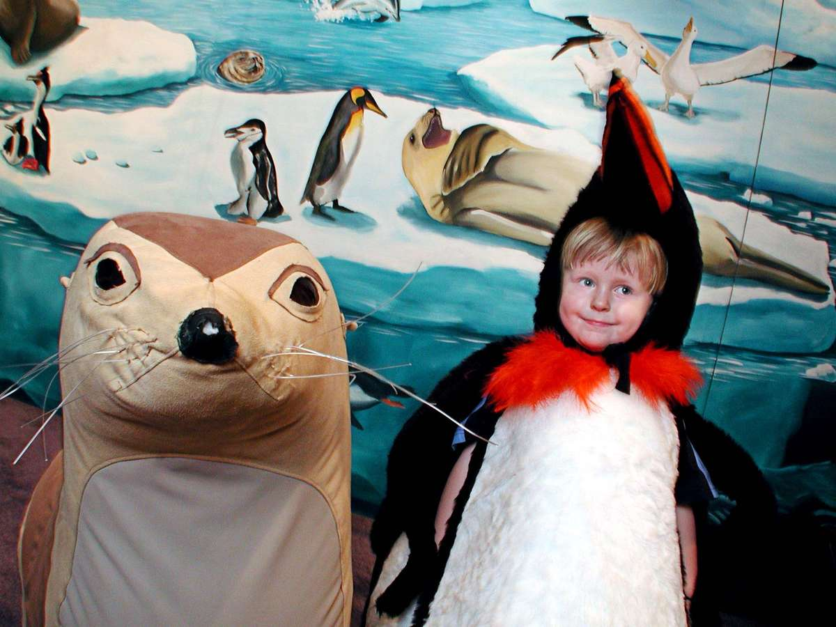 Mini Mariners inside the Antarctic Heroes exhibition, 2003. Image: ANMM.