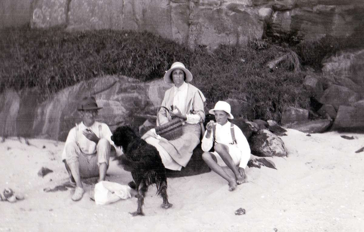 John Watt Sr, Francis and John Jr at the beach. Image courtesy of the Iluka Historical Society.