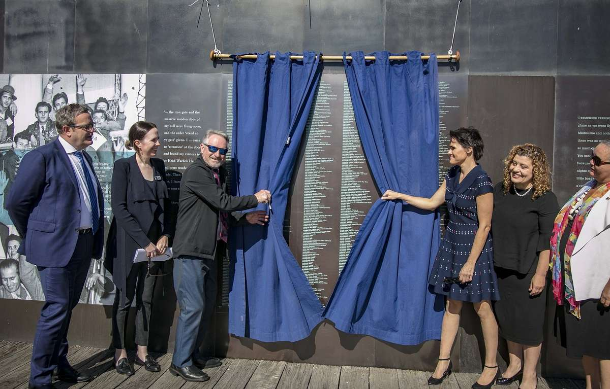358names were added to the Welcome Wall duringa ceremony on Sunday 6 May 2018. It is the 79th bronze panel added to the Wall and there are now almost 30,000 names on the Wall, which celebrates Australia