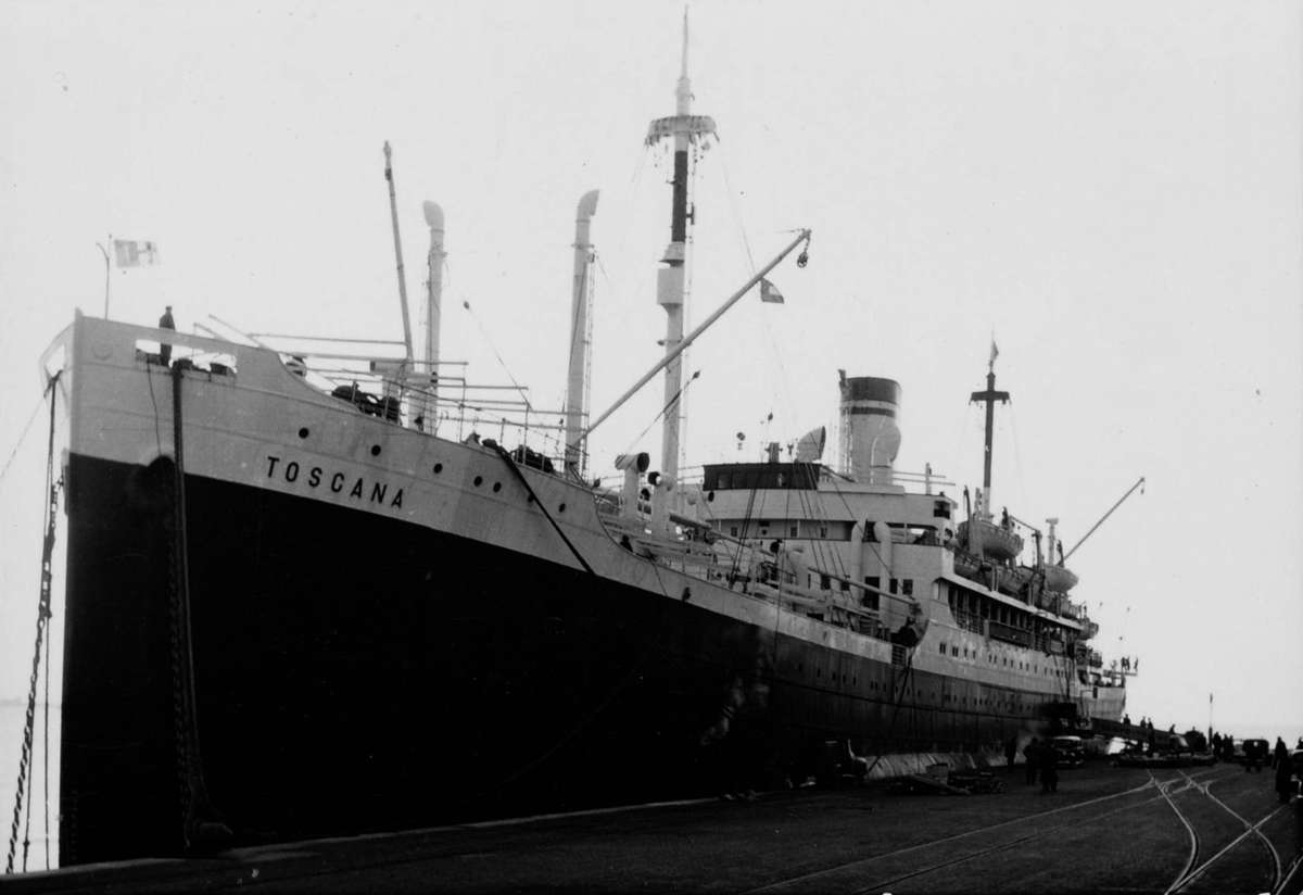 The Lloyd Triestino liner Toscana berthed at a wharf in Trieste, Italy, 1952–1960. ANMM Collection ANMS0214[046]. Gift from Barbara Alysen. Reproduced courtesy International Organisation for Migration.