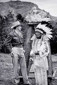 Korczak_Ziolkowski_and_Lakota_Chief_Henry_Standing_Bear-_kz_henry_48-1